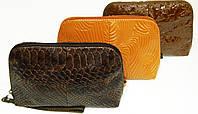 Косметичка женская коричневая сделана из  натуральной кожи т 24