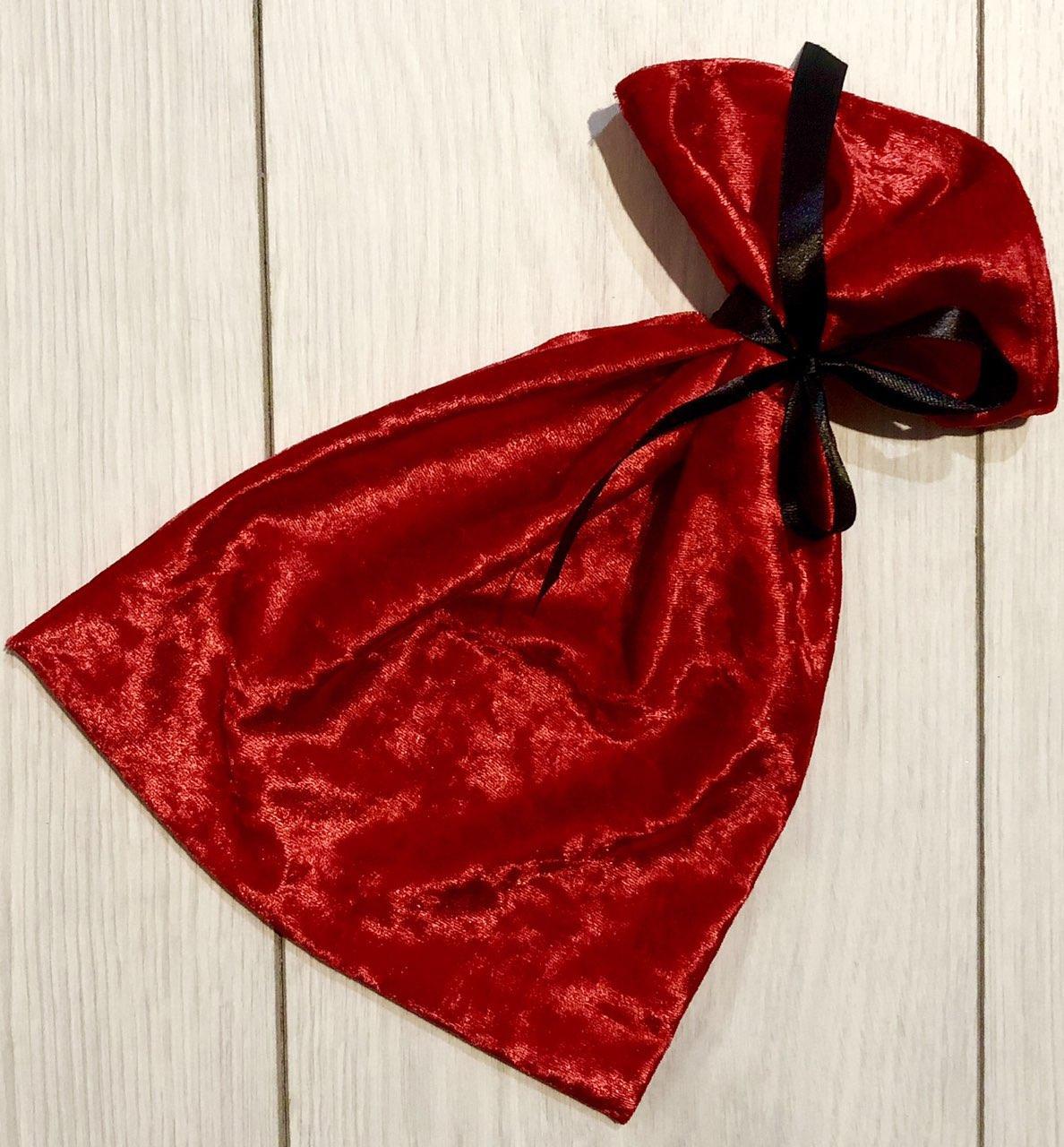 Красная велюровый мешочек для упаковки и хранения пижам, нижнего белья.