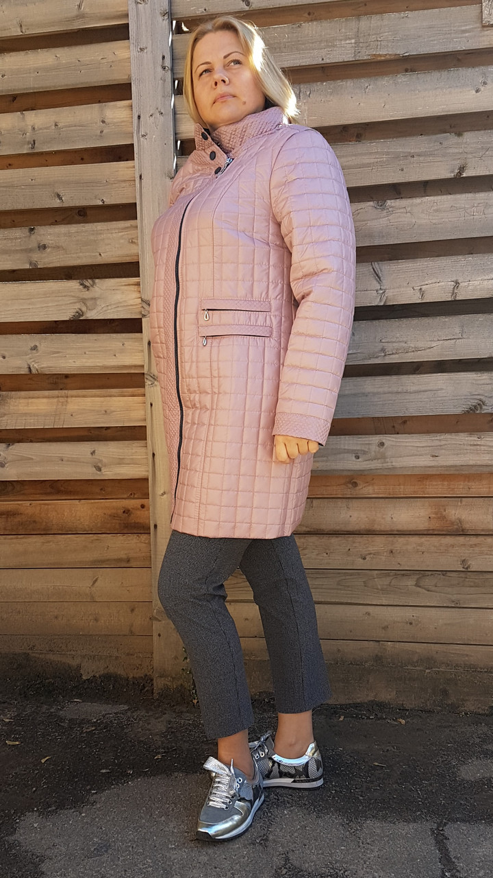 be642b15763 Женское демисезонное стеганное пудровое пальто больших размеров - The Вещь в  Харькове