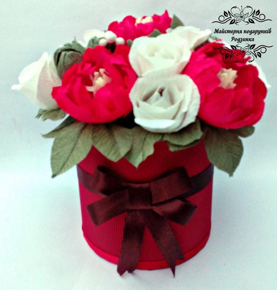 Букет з цукерок квіти в шляпній коробці