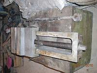 Тиски станочные поворотные стальные L-200мм