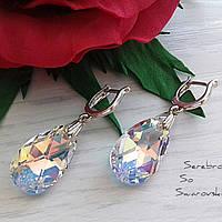 Красивое изделие из серебра с камнями Swarovski в универсальном цвете Crystal AB