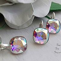 Эффектный комплект из серебра с камнями Swarovski бриллиантовой огранки в цвете Crystal AB