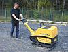 Трамбування щебеневої підготовки підлоги по грунті віброплитою 580 кг 74 кН