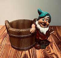 Кашпо декоративное Гномик керамика 3891