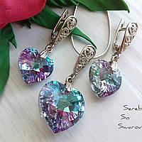 Нежный серебряный комплект с камнями Swarovski в форме сердца