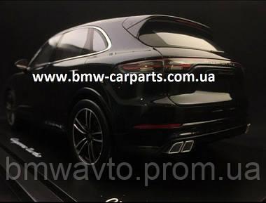 Модель автомобіля Porsche Cayenne Turbo, Moonlight Blue Metalllic, Limited Edition, Scale 1:18, фото 2