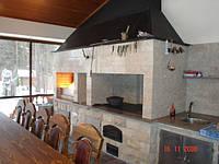 Барбекю, печь в закрытом павильоне