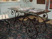 Журнальный столик (стекло, кованные элементы)