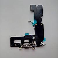 Шлейф Apple iPhone 7 Plus  коннектора зарядки, коннектора наушников с компонентами черный