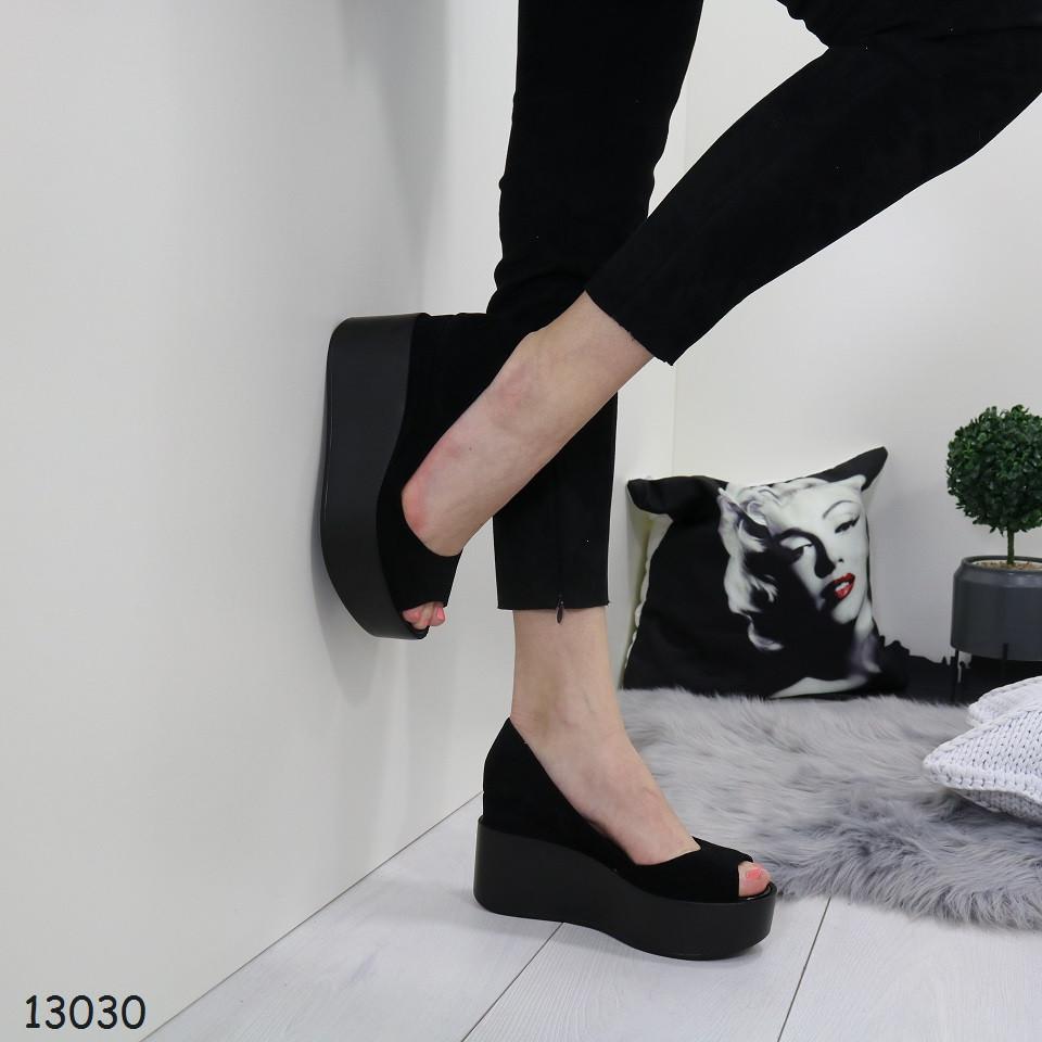 Женские замшевые туфли с открытым носком на платформе и танкетке 19764590c5f69