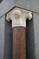 Капитель колонны из гранита