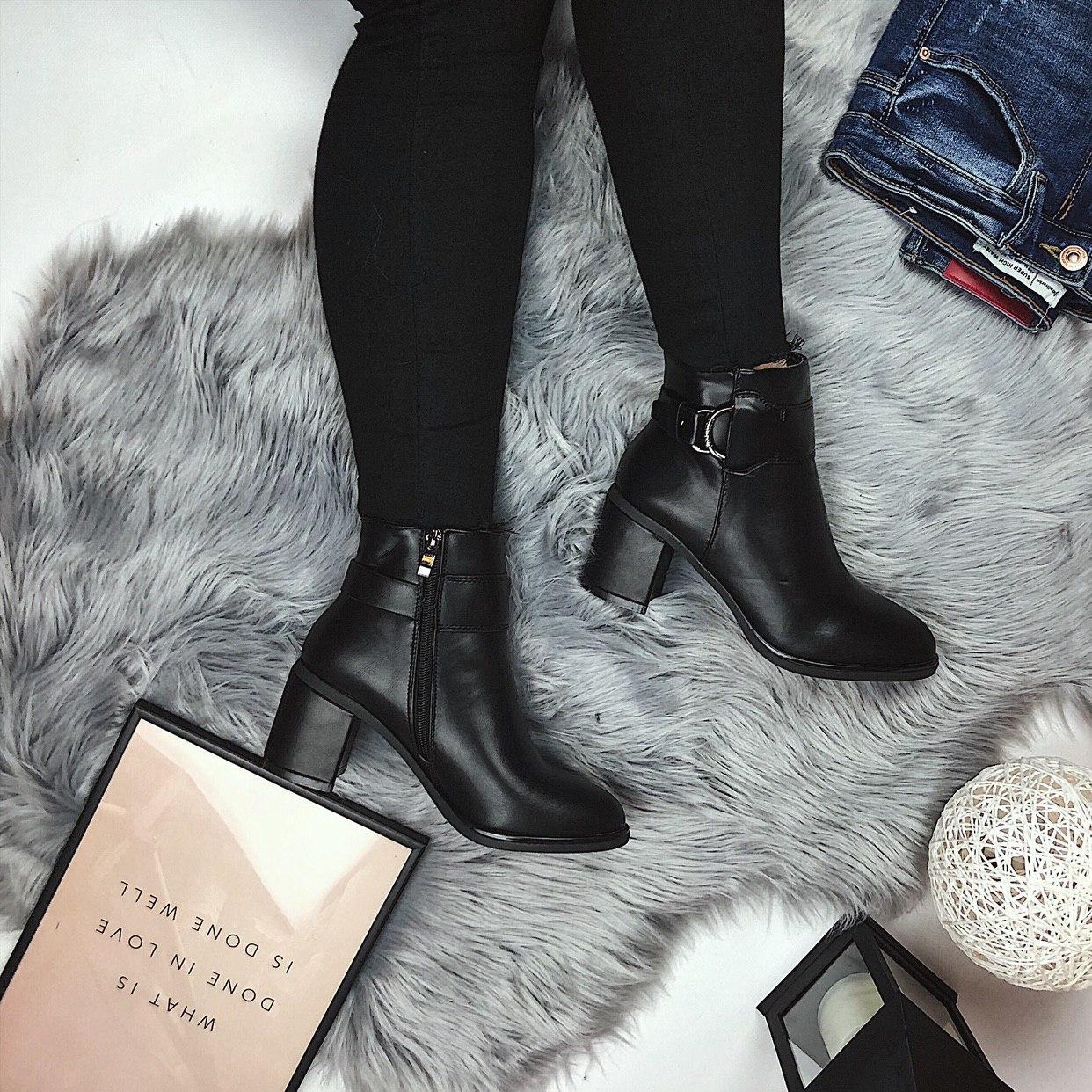 Женские весенние ботинки на каблуку