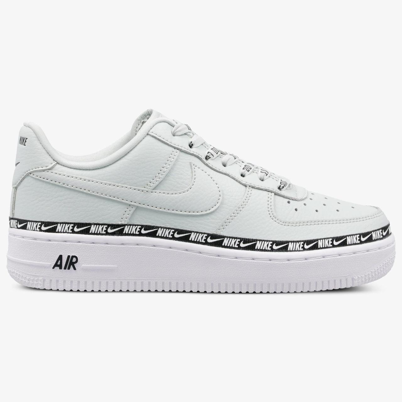 1d007bb2 Оригинальные женские кроссовки Nike Air Force 1 07 SE Premium, фото 1