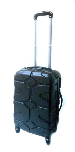 """Чемодан дорожній пластиковий 20"""" HLV R17729 Black"""