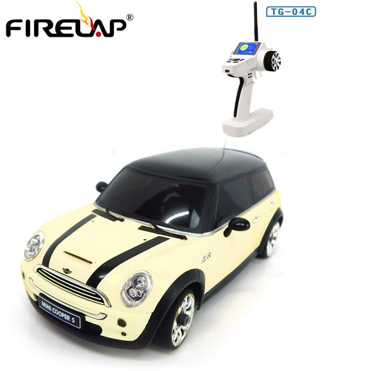 Автомодель на радиоуправлении 1к28 Firelap IW04M Mini Cooper 4WD. белый
