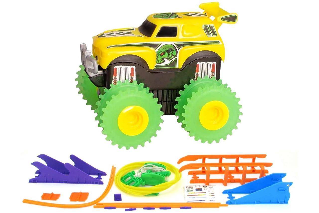 Машинка на батарейках Trix Trux набор с трассой. желтый