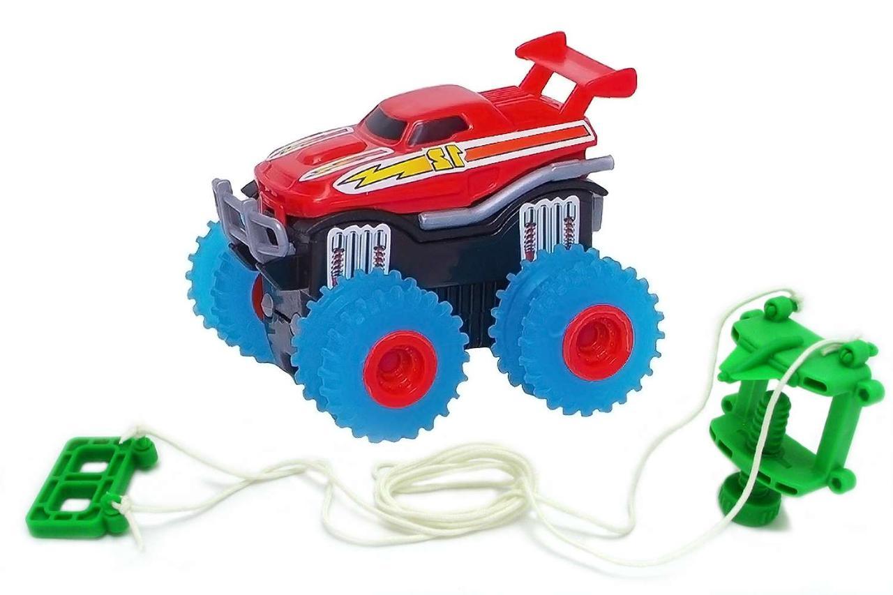 Машинка на батарейках Trix Trux. красный