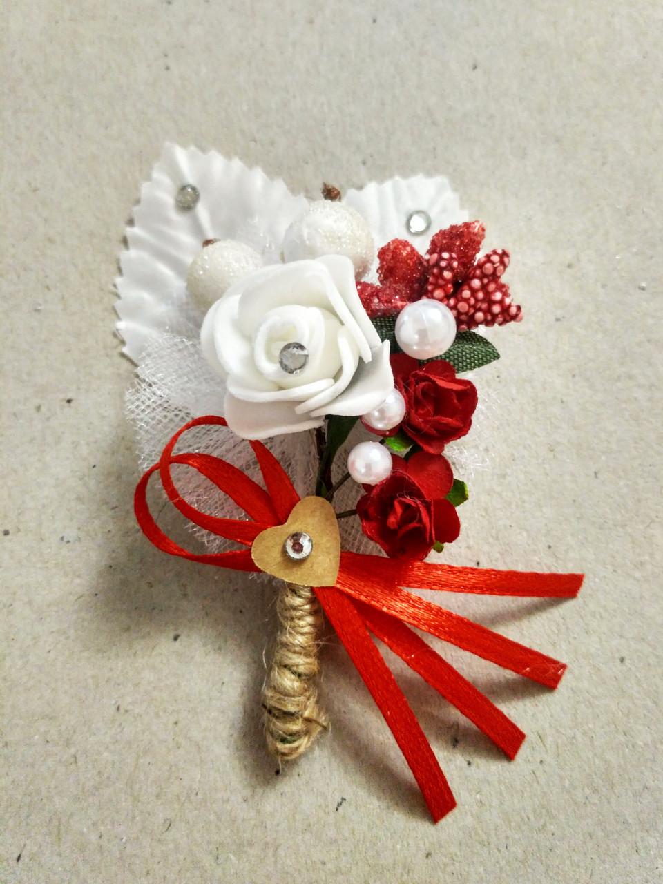 Бутоньерка свадебная Rose. Цвет красный.