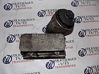 Корпус масляного фильтра VW Volkswagen Фольксваген Т5 2.5 TDI 2003-2010