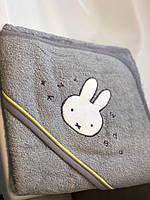 Полотенце-уголок махровое из хлопка для купания младенцев 80*80 см