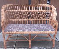Удобный плетеный диван для дачи