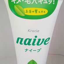 Пенка для умывания с экстрактом чайного дерева Kracie Naive Сleansing foam, 130 г