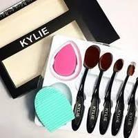 Набор кистей щёток для макияжа Kylie 5 шт. и 2 спонжа, фото 1