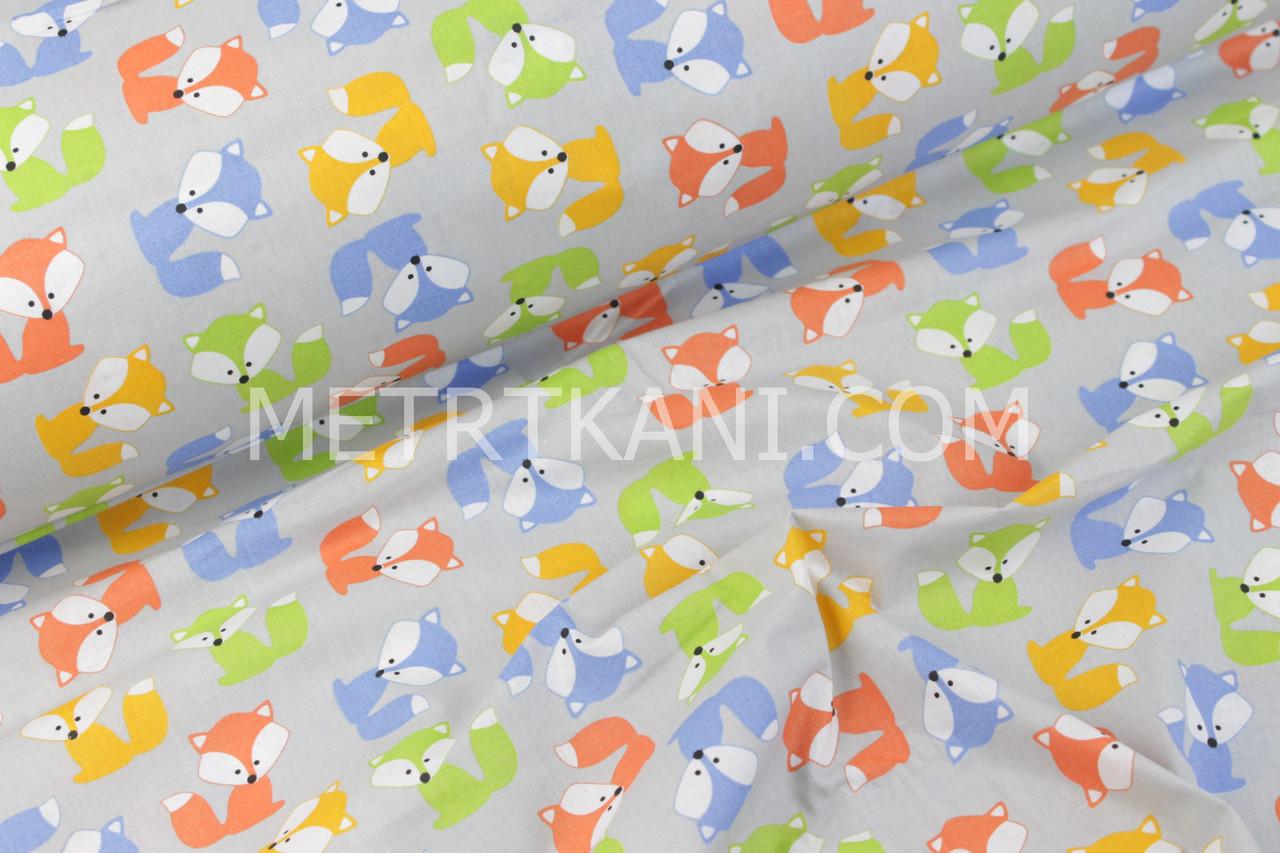 Польская ткань с разноцветными лисичками на сером фоне
