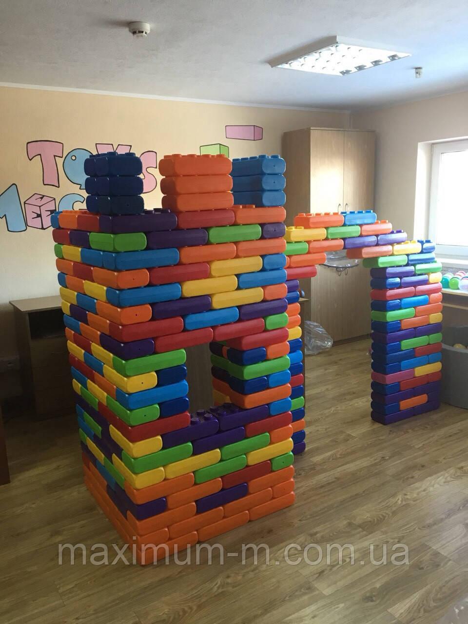Конструктор для детей Замок. Пластиковый. Мега куб.