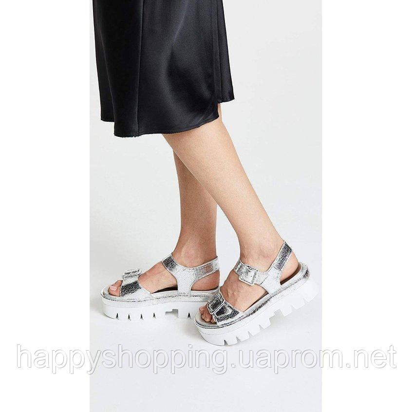 Женские стильные серебристые кожаные босоножки на платформе Kendall+Kylie