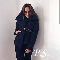 Женская куртка с булавкой черная