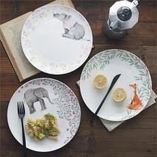 Тарелки с оригинальным рисунком