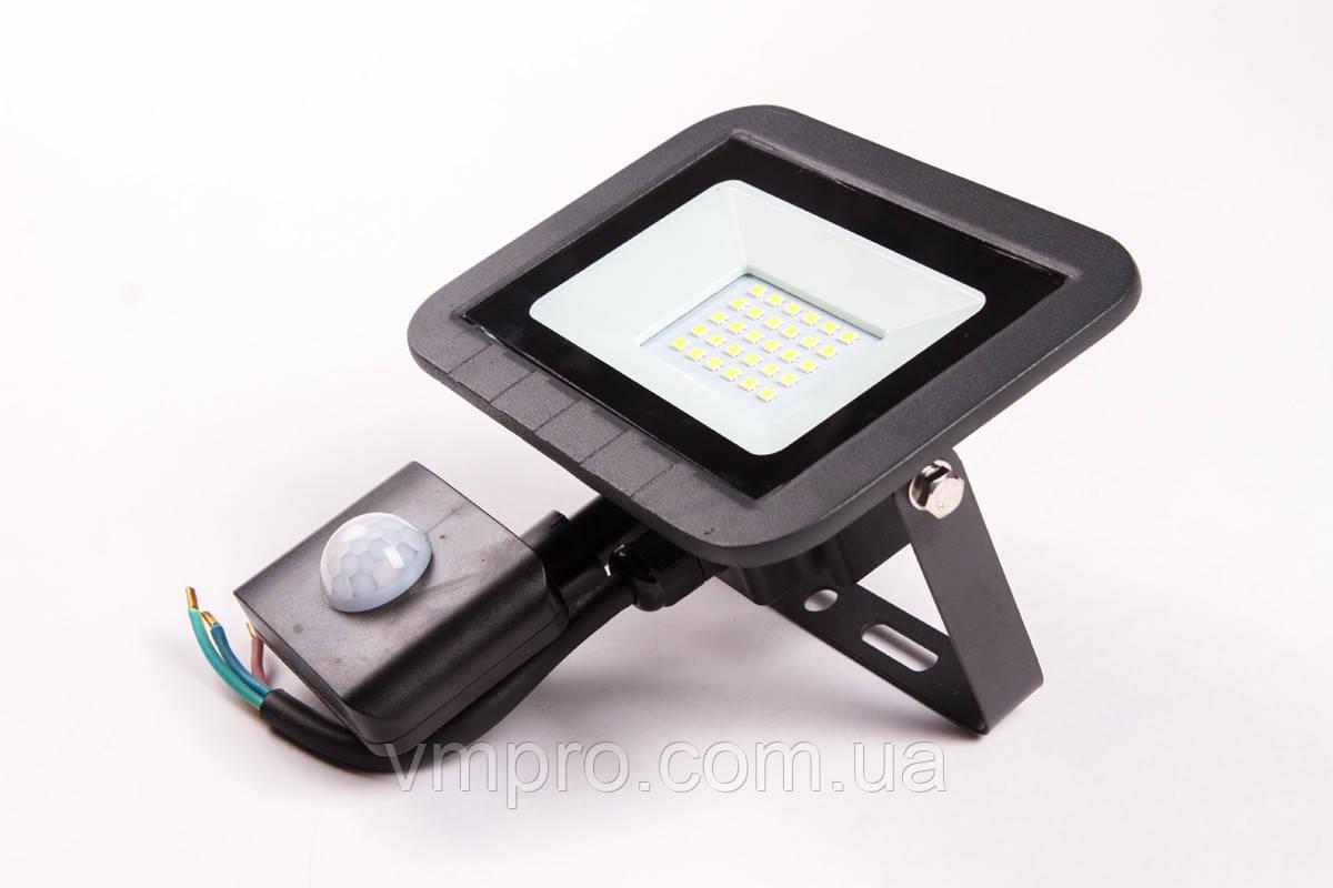 Прожектор с датчиком движения Luxel LED ECO 20W 6500K, (LPES-20C 20W)