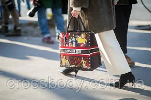 Берем пример: самые стильные сумки с улиц Парижа