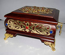 Ковчег из дерева с декором на 3 мощевика