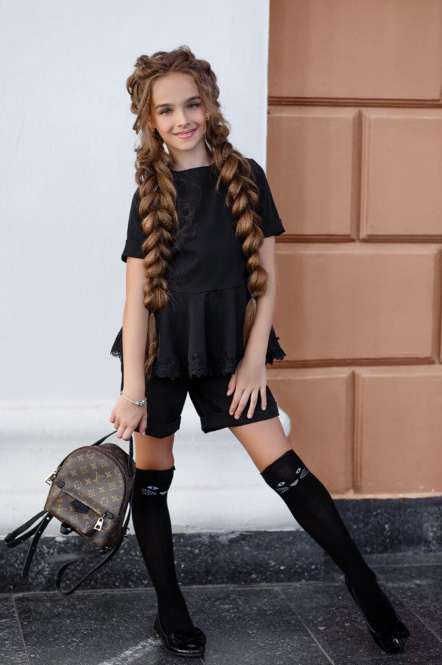 Школьный костюм блузка и шорты школьная форма для девочки размер: 134, 140, 146, 152
