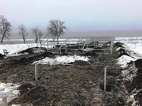Разметка участка и установка опор очередной фермы.