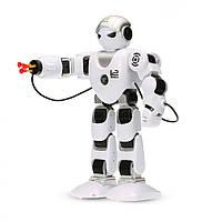 Белый робот K1 на пульте управлении стреляет присосками, фото 1