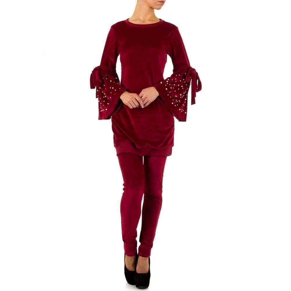 Женский костюм с рукавами клеш (Европа), Красный
