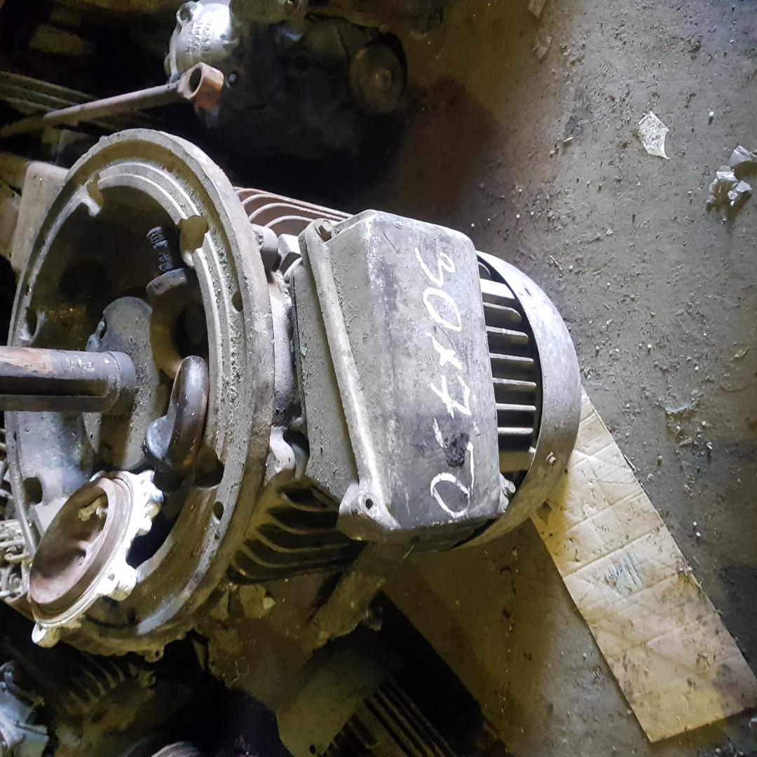 Электродвигатель 30 на 750