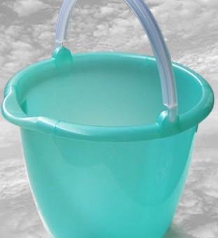 Ведро пластиковое с носиком (акционное), 10л Консенсус