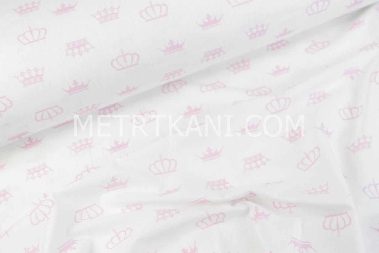 Ткань с розовыми коронами на белом фоне