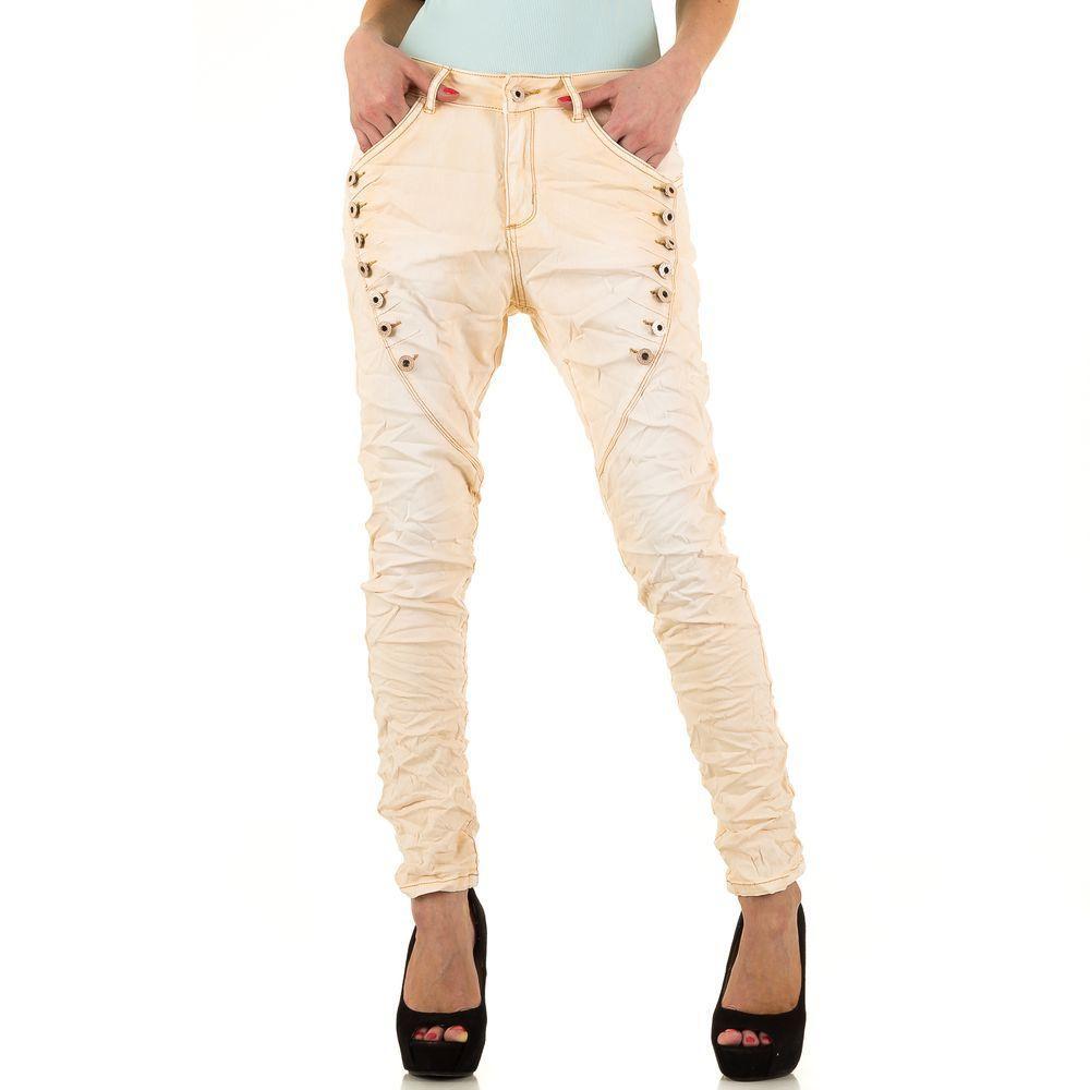 Мятые джинсы бойфренды с декоративными болтами от Zac&Zoe (Европа) Кремовый