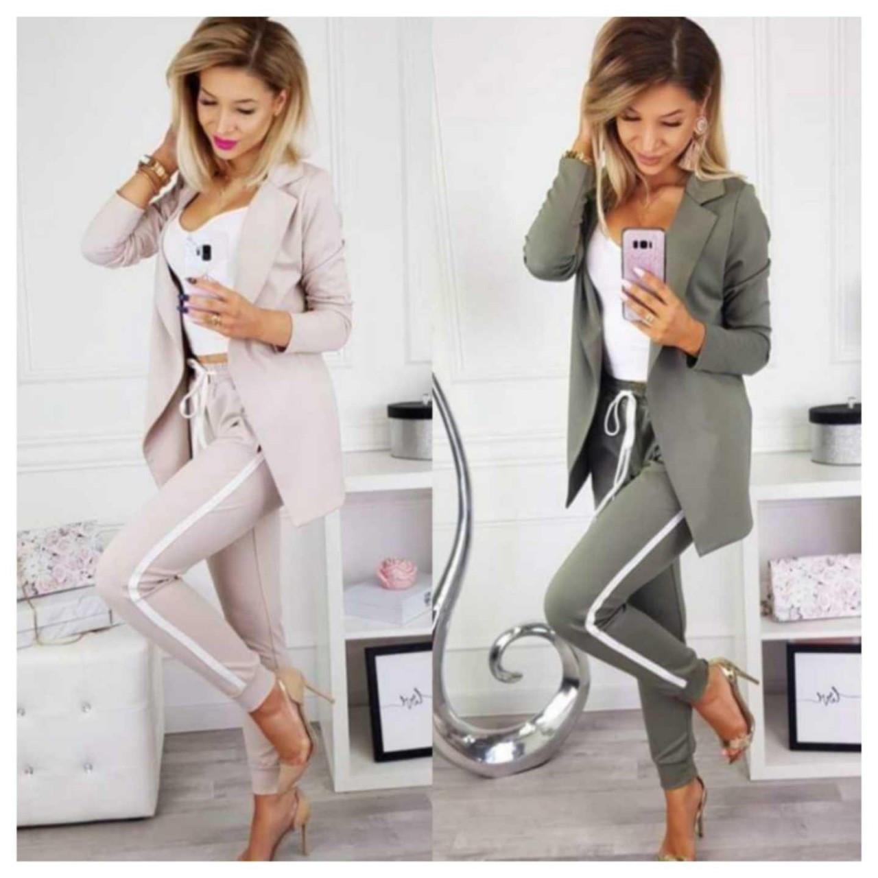 Женский костюм пиджак и брюки с лампасами. Размеры: с м л, ткань: двунить