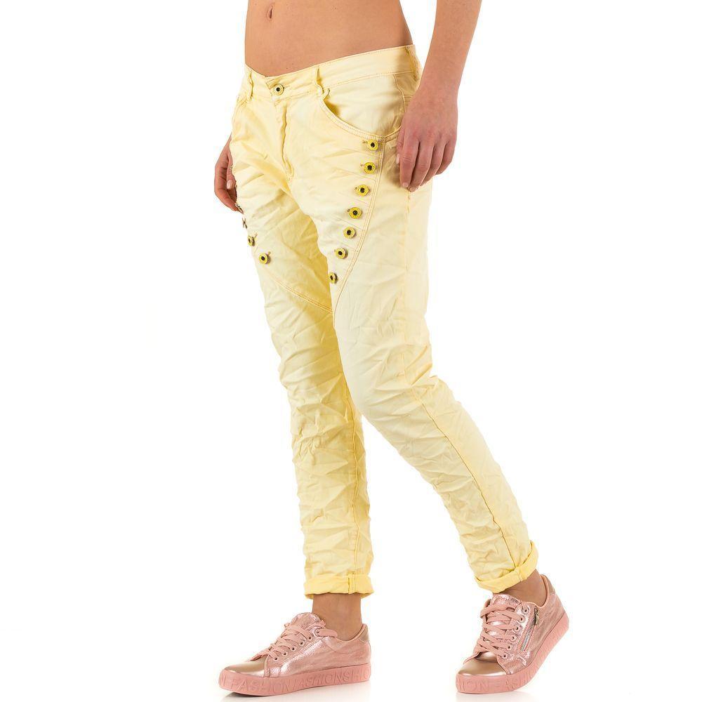 Мятые джинсы бойфренды с декоративными болтами от Zac&Zoe (Европа) Желтый