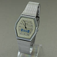 Заря кварцевые часы на браслете 1991 год