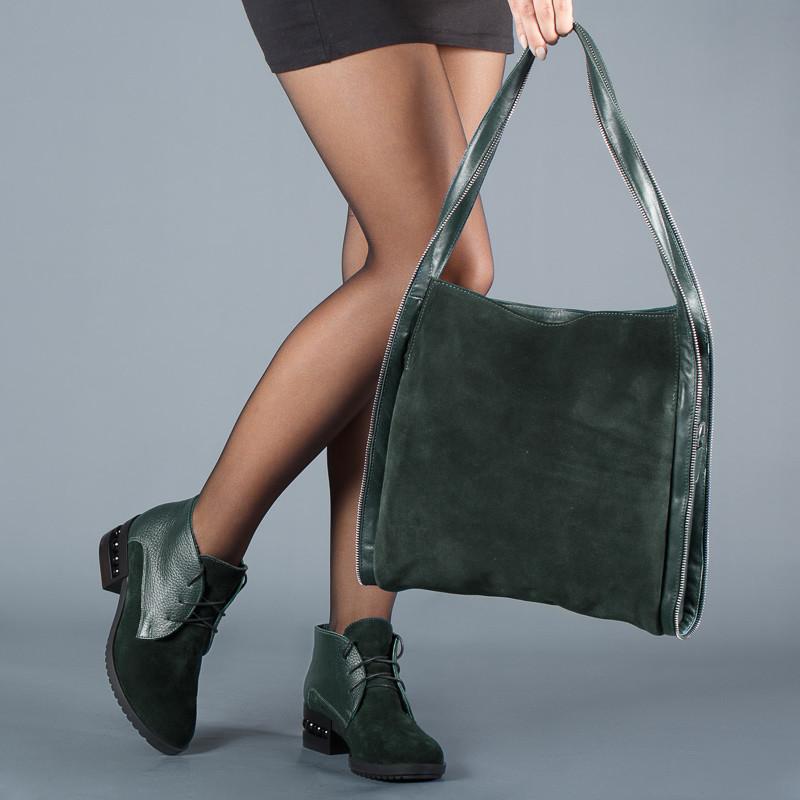 Ботинки замшевые зеленые с кожаными вставками, на среднем каблуке 5 см. Демисезон. Зима.