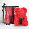 Мишко з штучних 3D троянд в коробці 39 см