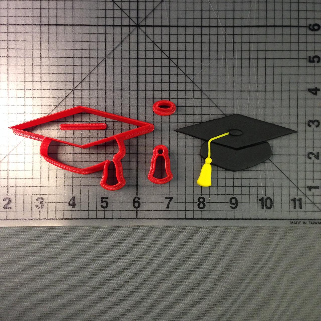 Вирубка академічна шапка випускника. Пластикові вирубки. Вирубка під замовлення. Різаки для пряників.